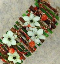 Bracelet bois, fleurs, baies