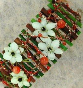 Bracelet bois, fleurs etc (vendu)