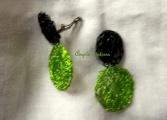 Boucles d'oreilles ultra légère anis/noir montées sur clip, réalisables pour oreilles percées (PV 25€)