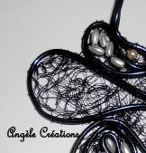 pendentif dentelle noire et perles - Copie