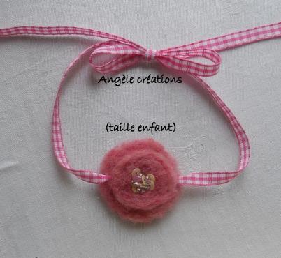"""collier """"Douceur"""" rose en pure laine pour enfant (PV12€)"""
