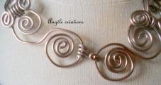 collier chaine arabesque gris argent détail