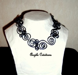 collier ras du cou maillons articulée (PV 35€)