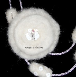moif en laine blanche