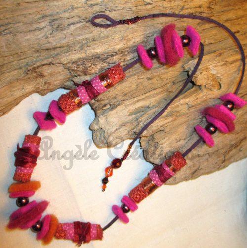 collier en perles de laine bouillie
