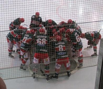 L'équipe Basque se concentre avant le coup d'envoi!