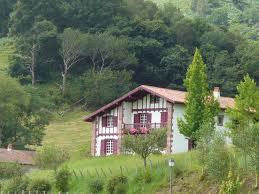 Maison Basque à la campagne