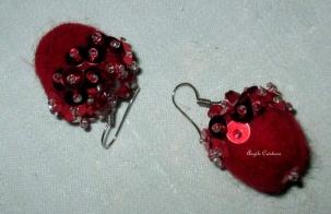 Pure laine rouge et paillettes(PV 25€)