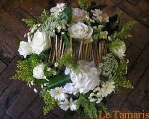 Composition de fleurs champêtres