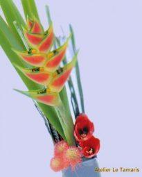 Bouquet graphique en fleurs exotique