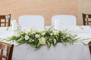 Décoration toute blanche de Centre de table d'honneur