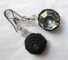 Boucle d'oreille cristal et crochet pièce inique(PV45€)