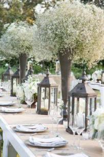 Longue table et Haut vases de boule de gypsophile