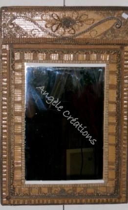 Miroir et son cadre de carton