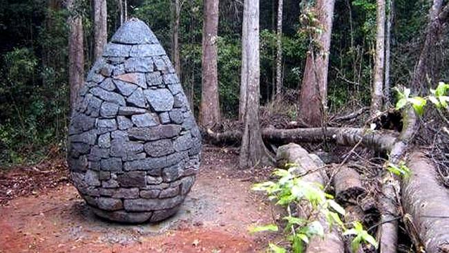 Land'art Cairn/ Oeuf en pierre