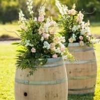 Composition florales sur tonneaux
