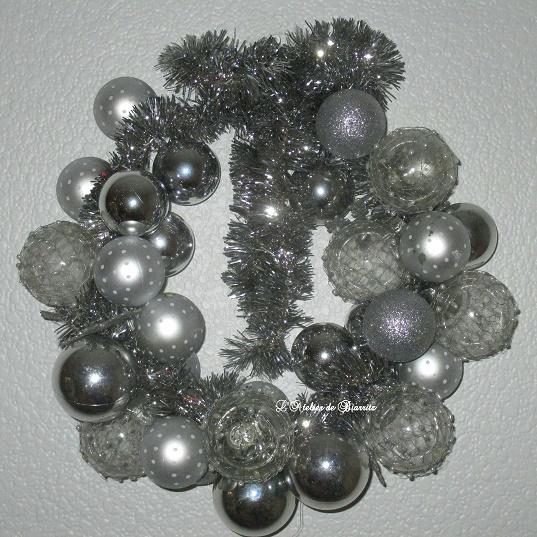 couronnes de boules argentées - Copie