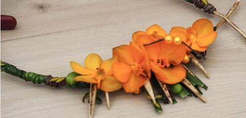 Collier en vanda (orchidée) orange