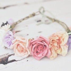 Serre tête en fleurs stabilisées