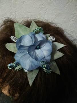 détail headband myosotis