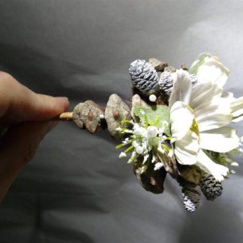 Motif florale d'un headband détail