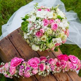 bouquet rond et couronne